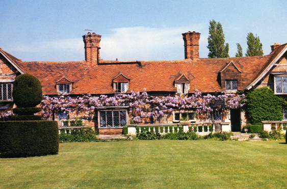England Home Swap – This glorious mansion was built in 1465! This was our very first home exchange in April 2000.