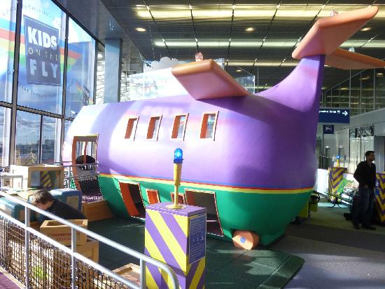 Top-10 Family-Friendly Airports in the U.S.