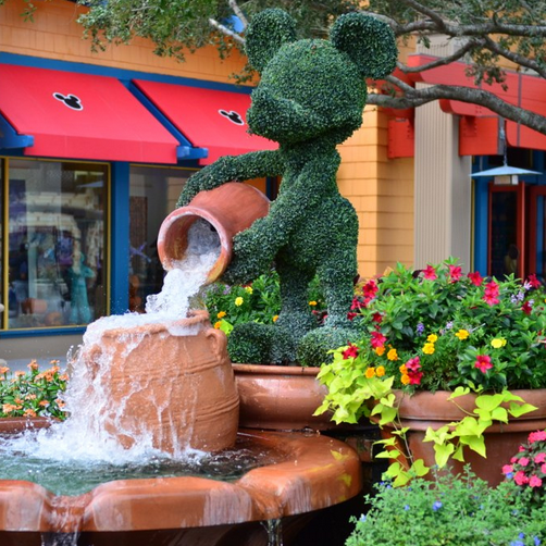 downtown disney fountain