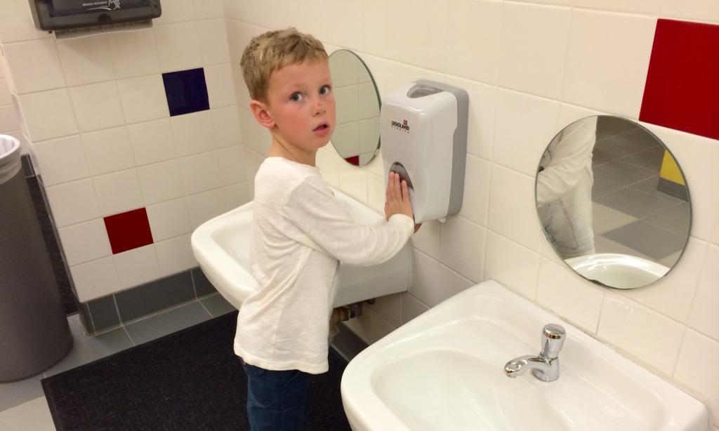 legoland kid sized sinks