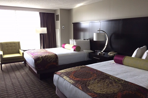 Queen-size beds at The Chattanoogan for the kids...