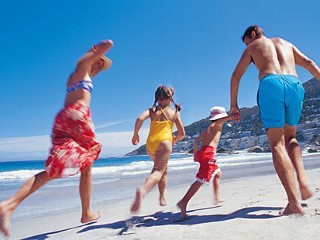 Twitter Tuesday: Who to Follow to Help You Save Money on Your Next Family Vacation