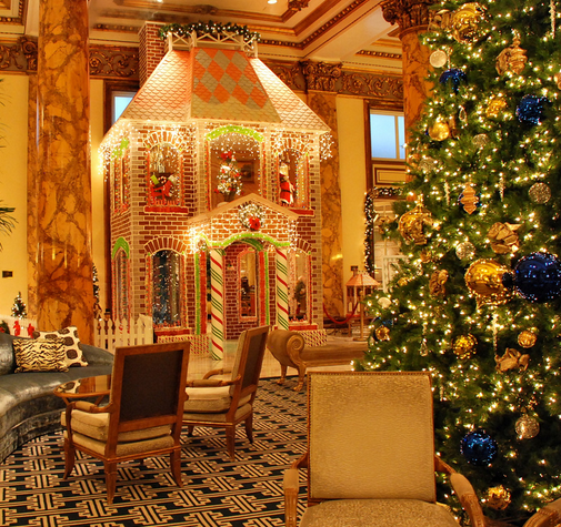 5 Must-See Life-Size Gingerbread Houses