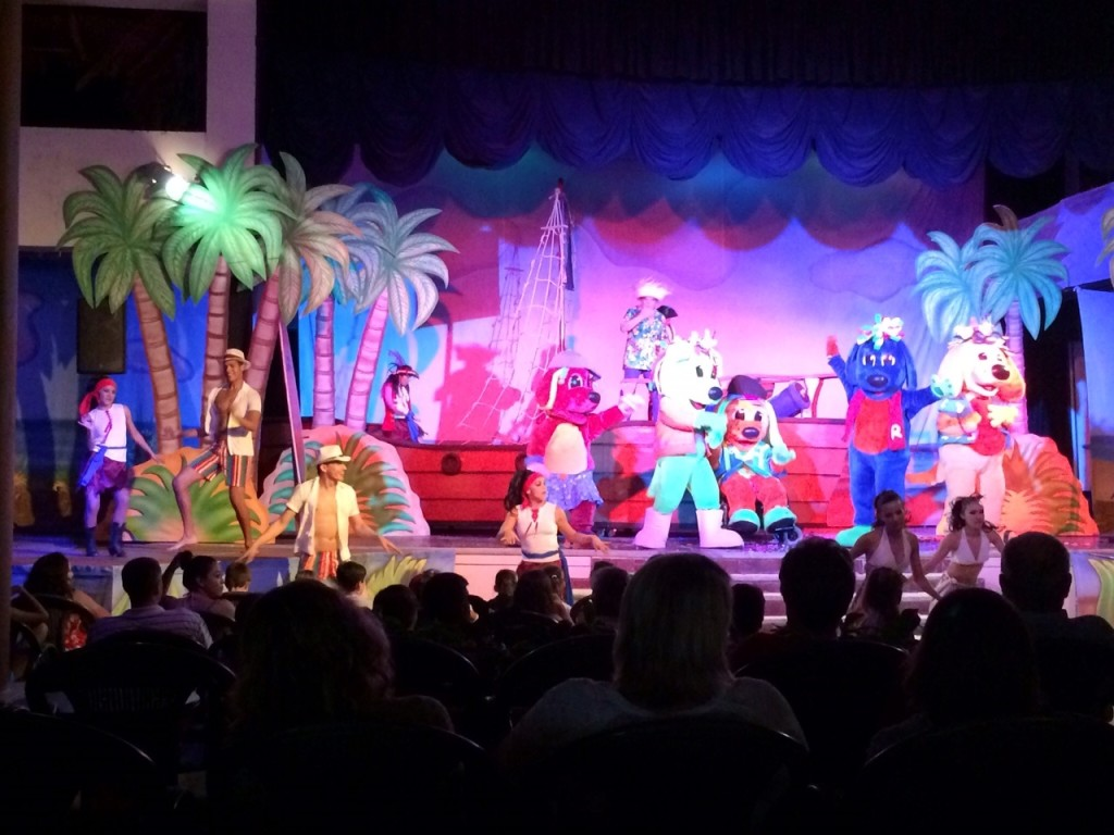 Kids Love the Weekly Raggs Pirate Show on Fridays.