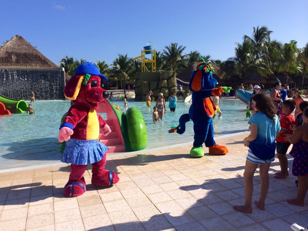 Trilby & Raggs Dance for Children by the Pool.