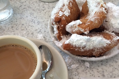 Of course, we had to make a stop for powdered sugar-covered beignets at cafe au lait at Cafe du Monde.