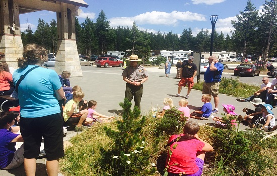 10 Things to Do as a Family at Yellowstone National Park
