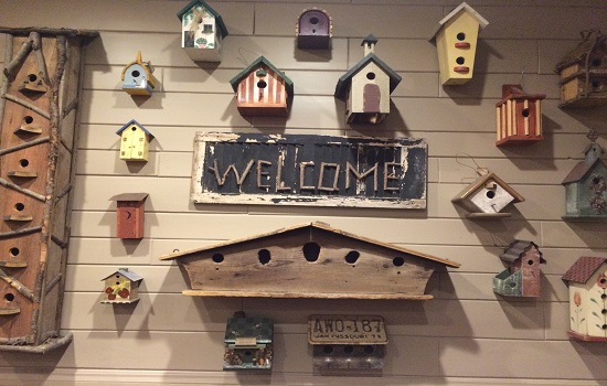 The birdhouses in the main dining room are very welcoming.